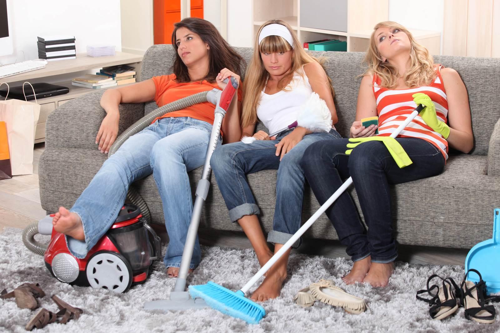 Girls Cohabitating Not Fun | PhloxADR